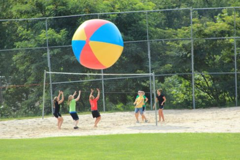 Youth_Retreat_Volleyball