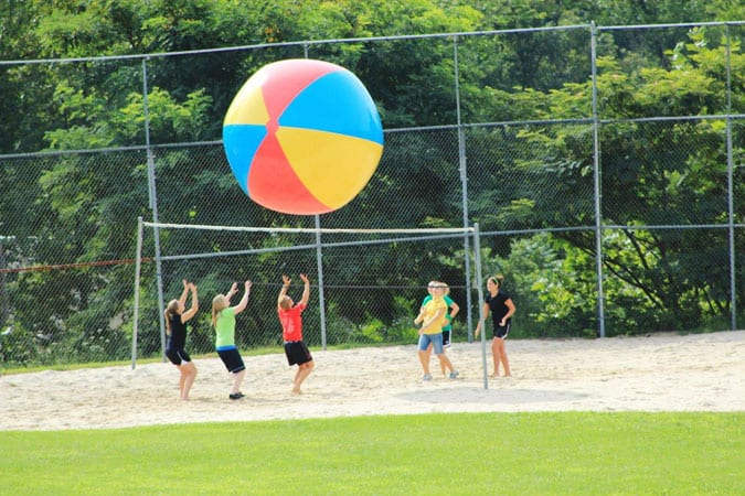 Youth_Retreat_Volleyball_Summer