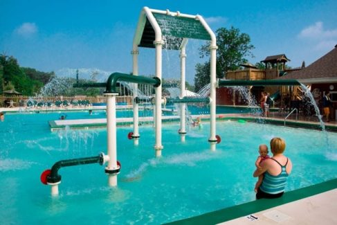 Pool_Families_Kids_Summer